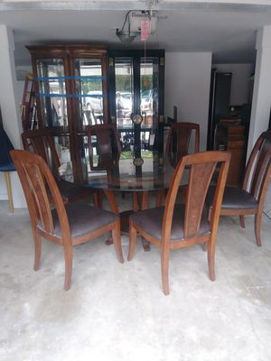 Glass round table with 6 leather chairs for Sale in Seattle, WA
