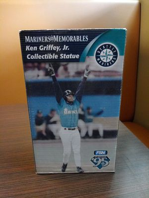 Ken Griffey jr. Mariners collectible statue for Sale in Shoreline, WA