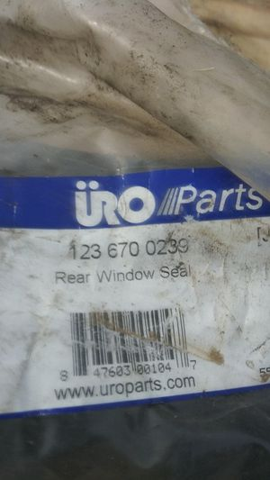 1977-1983 Mercedes 240D rear window seal for Sale in Renton, WA