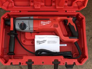 Milwaukee 8 Amp Corded 1 in. SDS D-Handle Rotary Hammer for Sale in Hayward, CA