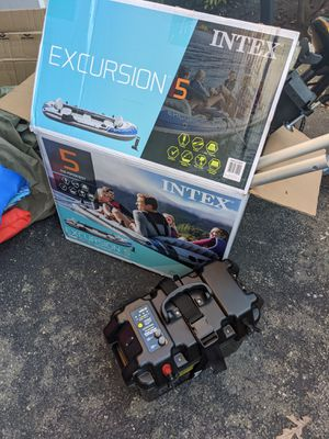 Intex Excursion 5 with minnkota trolling motor for Sale in Piscataway, NJ