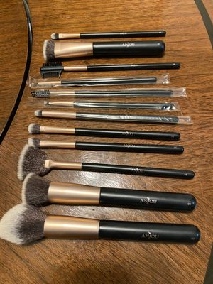 ANJOU makeup brushes for Sale in Bakersfield, CA