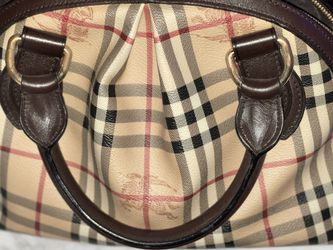 Burberry Vintage Handbag And Matchin Wallet for Sale in Queens,  NY