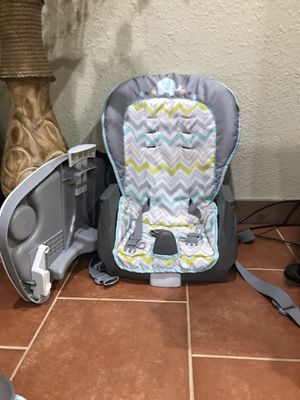 Ingenuity space saver high chair for Sale in Pasadena, TX