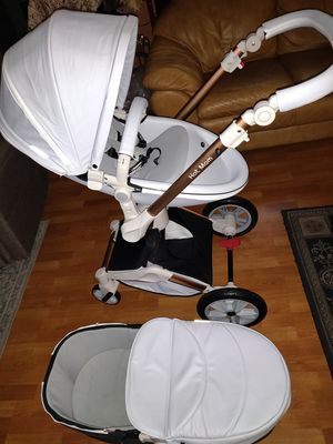 Hot Mom Stroller and Bassinet for Sale in Los Angeles, CA
