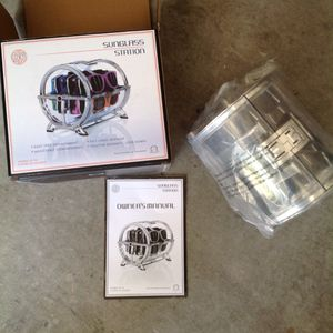 Luneti Sunglasses station NEW for Sale in North Las Vegas, NV