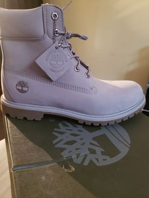 Brand new lilac timberland for Sale in St. Louis, MO