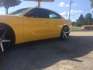 """Rims 22"""" Staggered KMC District on Giugiaro Tires lug pattern 5 x 115 for Sale in Streamwood, IL"""