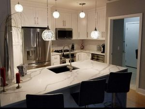 Kitchen and bathroom cabinets for Sale in Tampa, FL