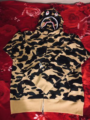 Bape 1st Camo WGM Shark Full Zip Hoodie (FW18) Yellow Large Size for Sale in Dallas, TX