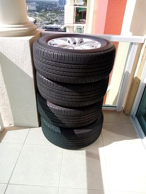 4 BRIDGESTONE TIRES 265/60-18 for Sale in SUNNY ISL BCH, FL