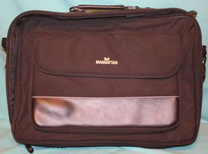 "Manhattan Empire II 17"" Laptop Briefcase for Sale in North Ridgeville, OH"
