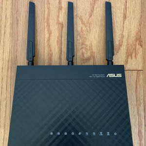 ASUS RT-AC1900P Dual Band Gigabit WiFi Router 3x3 w/Dual Core Processor for Sale in Tujunga, CA