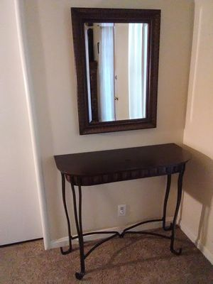 Nice Beautiful Entry Table With Mirror for Sale in Fresno, CA