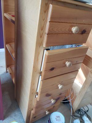 5 drawer dresser for Sale in Brandywine, MD