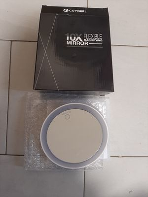 Makeup Mirror with Light for Sale in Queens, NY