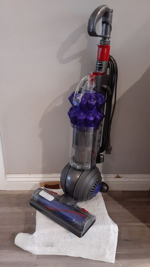 Dyson Small Ball DC-50 Upright Vacuum (Price is Firm) for Sale in Gardena, CA