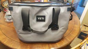 Yeti 30 hopper cooler lightly used for Sale in Las Vegas, NV
