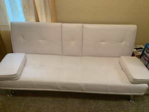 This is a white leather pull apart couch and stools for Sale in Decatur, GA