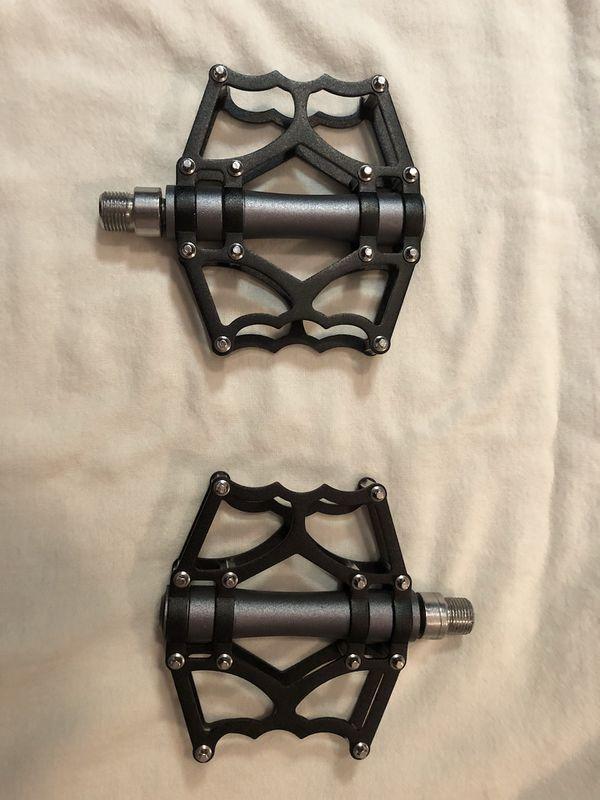 Brand New 9/16 aluminum mountain bike pedals
