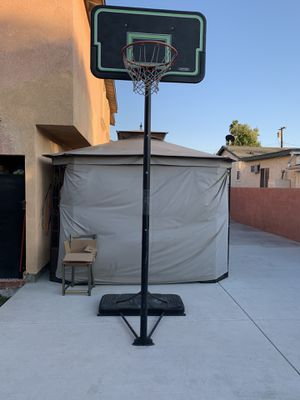 Basketball hoop portable for Sale in Covina, CA