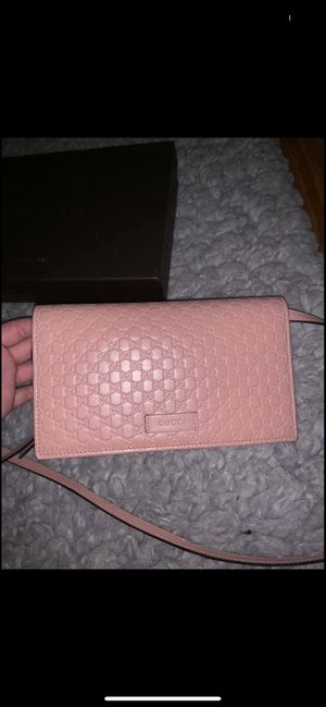 Pink Gucci Microguccisima Crossbody Wallet for Sale in Arlington, TX