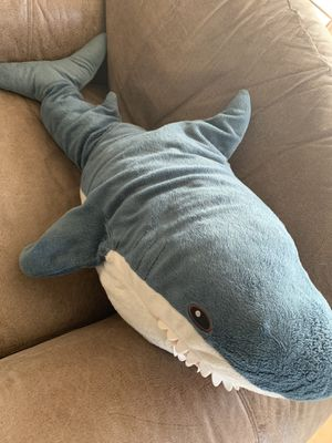 Shark stuffed animal (35inches long) for Sale in Escondido, CA