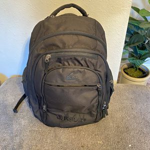 Black Quicksilver Backpack for Sale in Lake Stevens, WA