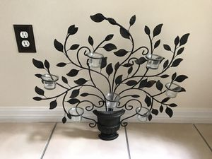 Metal flower pot with votive candles (7 glass holder) for Sale in Kissimmee, FL