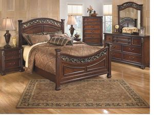 Leahlyn - Warm Brown - 5 Pc. - Dresser, Mirror & King Panel Bed for Sale in Naples, FL