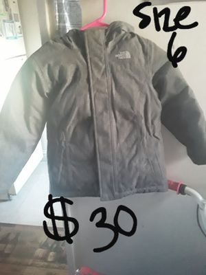 SUNDAY SALE....girls gently used size 6 warm northface coat for Sale in Suitland, MD