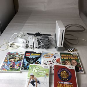 Wii Bundle Great Condition for Sale in Chandler, AZ