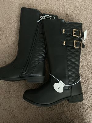 Girls boots. Size 1 - great Christmas gift for Sale in Brook Park, OH