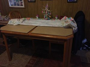 Solid oak dining room table and chairs for Sale in Pittsburgh, PA
