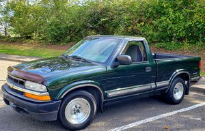 2001 Chevrolet / Chevy S10 (4Cy Gas Saver) *AUTOMATIC*(Only 148K!)Very Good Tires/Polished Wheels/Eclipse CD/Brand New Battery & Starter! Clean Title for Sale in Cascade-Fairwood, WA
