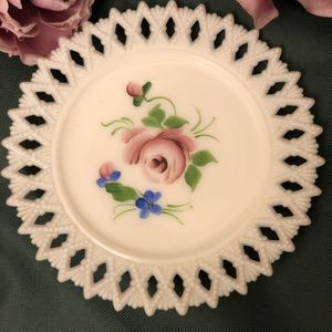 "Kemple Milk Glass7"" Hand Painted Plate . for Sale in Lakewood Township, NJ"