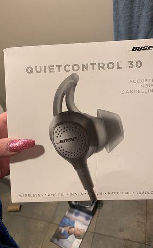 Bose quietcontrol 30 headphones for Sale in Denver, CO