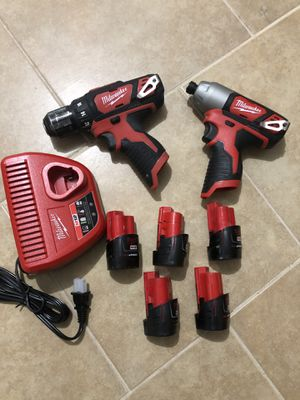 Milwaukee drills set, 5 batteries and charger for Sale in Dallas, TX