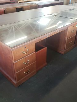 Traditional Style Wood Desk for Sale in Portland,  OR