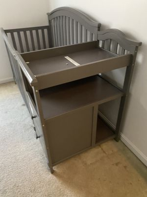Crib with changing table for Sale in Landover, MD