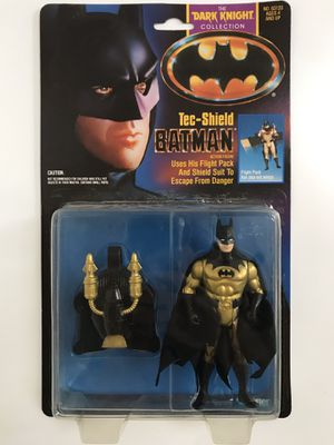 Vintage Kenner Batman Dark Knight Collection Tec Shield Batman Action Figure for Sale in Carlsbad, CA