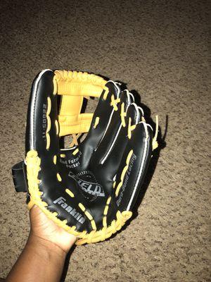 Franklin Baseball Glove for Sale in Douglasville, GA