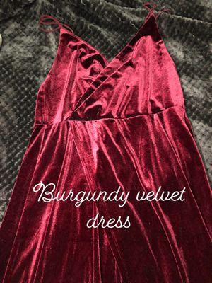 Burgundy velvet Dress for Sale in Nashville, TN