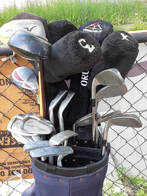 21 golf Clubs bundle $140 or$20 each now in NE DC first come first sold for Sale in Washington, DC