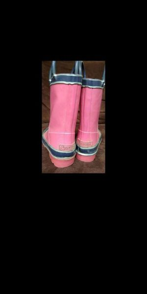 Kids pink rain boots sz 9 for Sale in Olympia, WA