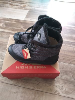Womens high sierra snow boots sz 11 shipping only no pickup for Sale in Ellendale, DE