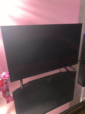 32 inch tv for Sale in East Saint Louis, IL