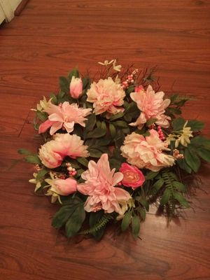 New Pink wreath for Sale in Fresno, CA