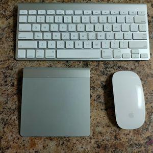 Apple Bluetooth Wireless Magic Trackpad-Apple wireless keyboard & Mouse for Sale in Phoenix, AZ