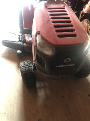 2018 Troy built lawn tractor almost new!!!!!! for Sale in Waldorf, MD